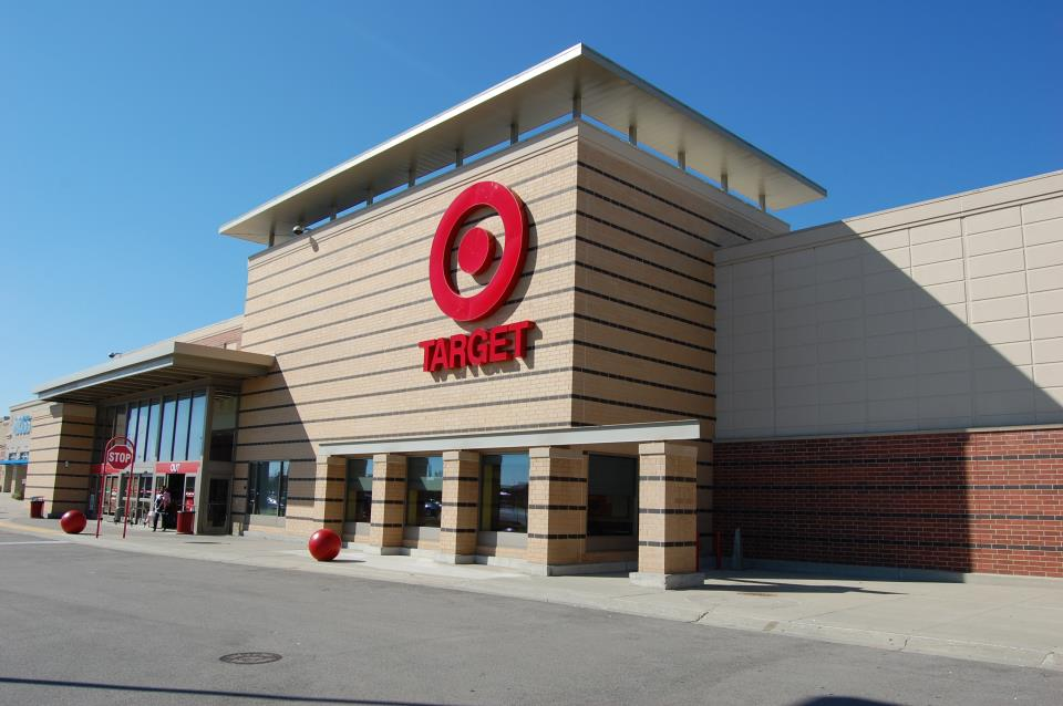 Target anchors the Poplar Creek Crossing at 59-90